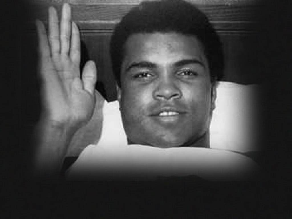 MUHAMMAD ALI RECUPERATES AT NYH